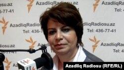 Депутат Гуляр Ахмедова. Апрель 2011 года.