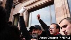 Задержание лидера оппозиции. Продолжение протестов в Армении