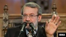 علی لاریجانی در نشست خبری روز دوشنبه ۱۳ آذرماه در محل مجلس شورای ملی