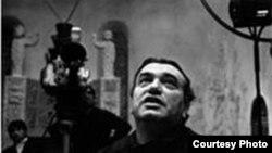 Борис Кимёгаров, акс аз хазина