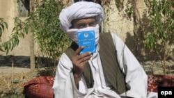 Owganystandaky talyplaryň dolandyryjy şurasynyň agzasy Mullah Wakil Kandaharda, noýabr, 2009-njy ýyl.