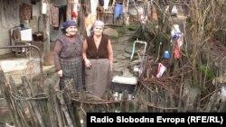 Жители на кичевското село Речани.