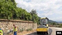 Реконструкција на патот од Тетово до Попова Шапка