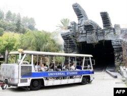 ABŞ- İnsanlar King Kong attraksionunun açılışına gəlir. Hollywood, 29 iyun 2010