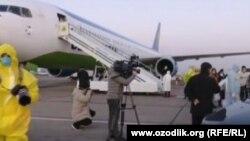 4 февраля самолет Uzbekistan Airways с 250 гражданами Узбекистана прибыл из Китая.