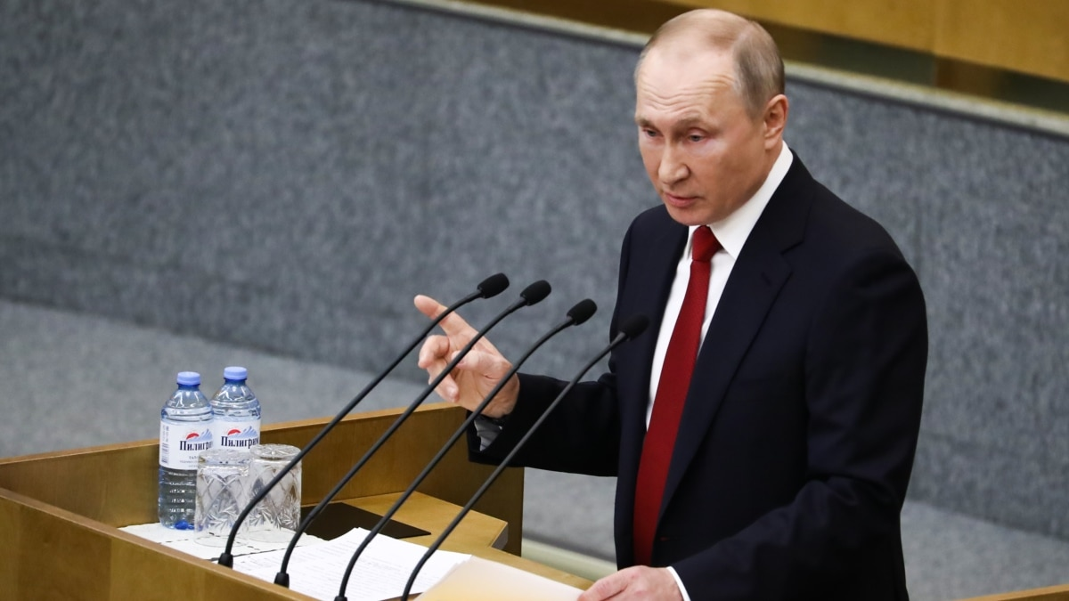 Госдума России одобрила поправки к конституции, которые позволят Путину баллотироваться в 2024-м