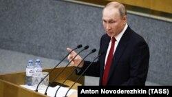 Під час обговорення в Держдумі правки, яка б «обнулила» його президентські терміни, Путін заявив, що згоден із цим, якщо рішення підтримає Конституційний суд