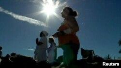 Մայաները աղոթում են աշխարհի վերջին նվիրված արարողության ժամանակ, Կուբա