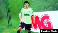 Рауан Сариев, 17-летний футболист.