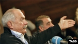 Никита Михалков заявляет, что он до сих пор остается председателем СК