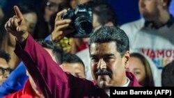 Nicolas Maduro seçkinin qalibi elan olunandan sonra
