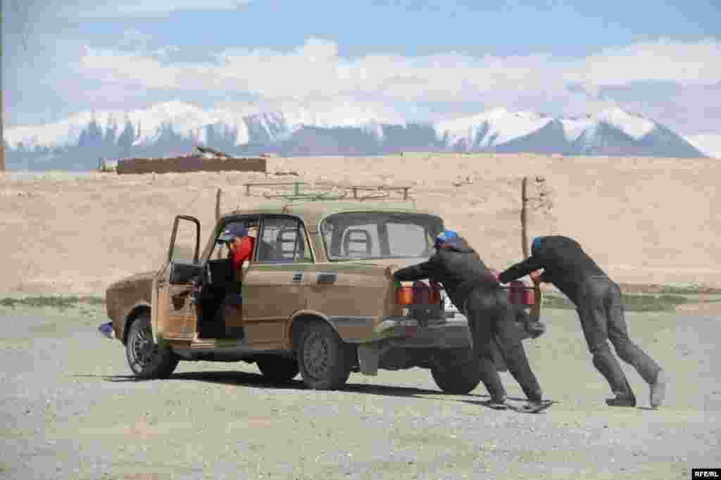 Восточный Памир: у озера Рангкуль... #32