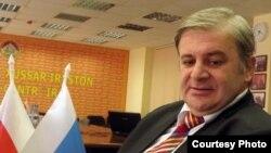 Cогласно данным МВД Южной Осетии, которые были переданы в Центризбирком, Вячеслав Гобозов с 2009 года позволял себе выезжать за пределы родины на целых пять, шесть и даже семь месяцев. Фото: медиа-центр ИР