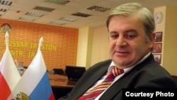 Политологи считают, что назначение Вячеслава Гобозова надо рассматривать в контексте предстоящих весной 2017 года выборов президента