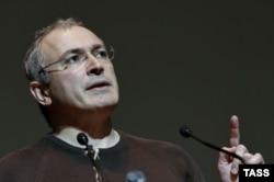 До ареста в 2003 году Михаил Ходорковский считался самым богатым человеком в России. Сейчас он не участвует в судебных тяжбах акционеров ЮКОСа