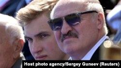 Мікалай і Аляксандар Лукашэнкі