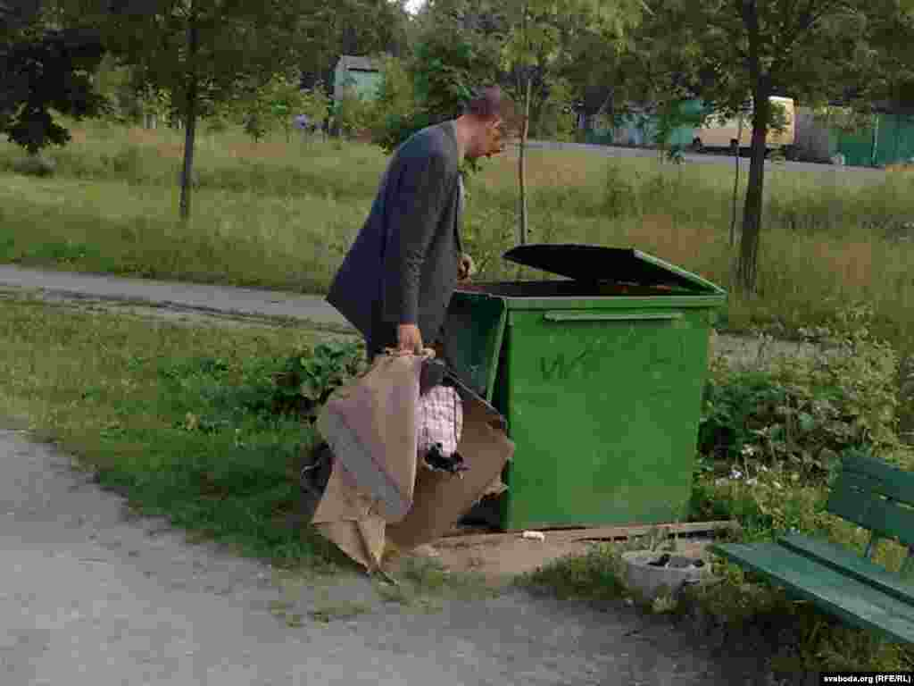Юрась Сойка, Менск - На вуліцы Лугавой.