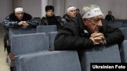 65 ликвидаторов аварии на Чернобыльской АЭС, объявивших голодовку. Донецк, 16 ноября 2011 года.