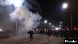 Բախում ոստիկանների և ցուցարարների միջև Գյումրիում, 15-ը հունվարի, 2015թ․