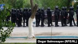 May etirazlarında polis