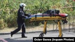 Luni 2 august, în zona Bibliotecii Naționale din București, șase muncitori au fost prinși sub un mal de pământ dintre care doi și-au pierdut viețile.