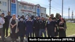 Выступление сотрудников скорой помощи против невыплат ковидных надбавок. Ингушетия, Магас