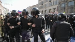 Задержаны и избиты. В Петербурге разогнали шествие оппозиции
