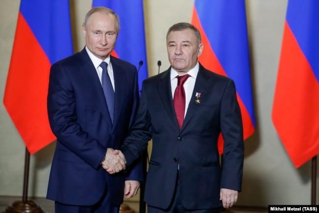 Владимир Путин мен Аркадий Ротенберг.