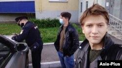 Bűnözőkkel zárták egy cellába Alekszej Svarcot, egyikük meg is halt közben, elüszkösödött a lába. A képen Alekszej Svarc, forrás: Facebook