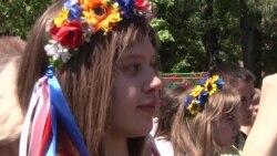 У Запоріжжі школярка відрізала волося, щоб допомогти армії