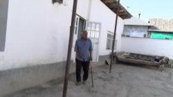 """""""Қарз гирифт, бозор сӯхт, хонааш дар хатар аст"""""""