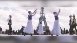 Кыргызстанцы станцевали кыргыз бий в Париже