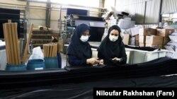 تصویری از یکی از بخشهای کارخانه حجاب شهرکرد