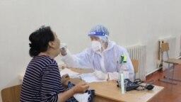 Тест на COVID-19 в Кыргызстане (иллюстративное фото)