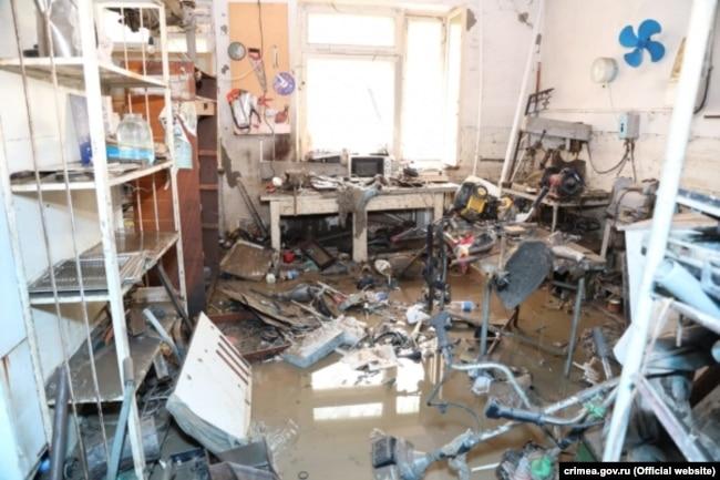 Лаборатория Керченской городской больницы № 1 после наводнения 17 июня 2021 года