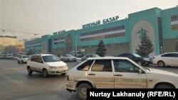 Зеленый базар в Алматы.