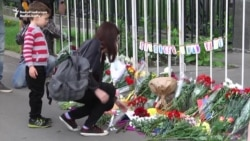 Russians Honor Victims Of Orlando Shooting