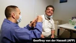 آرشیف، واکسیناسیون کرونا در فرانسه