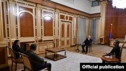 Armenian President Armen Sarkissian met with senior ARF members Armen Rustamian and Artsvik Minasian, November 10, 2020