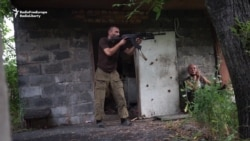 Ukrainian Soldiers Return Fire With Separatists In Eastern Ukraine