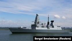 ბრიტანეთის სარაკეტო ნაღმოსანიHMS Defender-ი ოდესის ნავსადგურში
