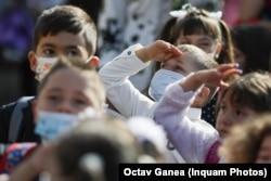 Tinerii români vor din ce în ce mai puțin copii. Efectele se văd și vor deveni din ce în ce mai acute.