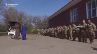 Soldiers Mark Orthodox Easter In Shumy, Ukraine