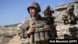 Արցախի ՊԲ զինծառայողը մարտական դիրքում, հոկտեմբեր, 2020թ.