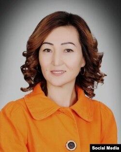 """""""Айымдар коомунун"""" жетекчиси Периза Асаналиева."""