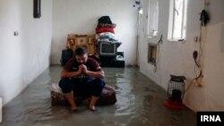 خانهای در ماهشهر که آن را آب گرفته است