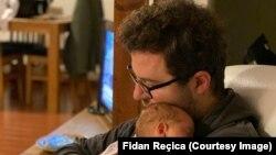 Fidan Reçica dhe vajza e tij, Hana.