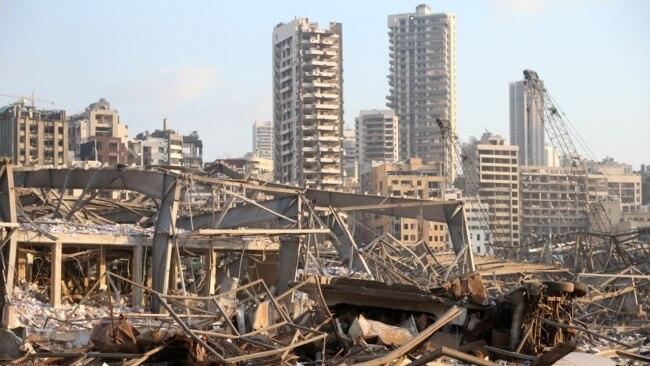 Porti i Bejrutit para dhe pas shpërthimit