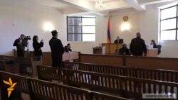 Գյումրիի 35/37 ԸԸՀ նախագահը տուգանվեց ուրիշի փոխարեն քվեարկելու համար