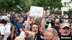 Снимка от протестите в Берлин на 1 август